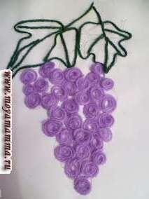 А также из темно-зеленых ниток делаем прожилки виноградным листикам.