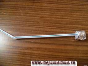 Для антенны лунохода подойдет трубочка для коктейля. На конце этой трубочки можно установить пробочку, обернутую фольгой.