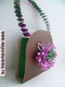 Коричневая сумка с сиреневым цветком из фольги