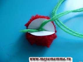 изготовлениепомпонадля вязаной детской варежки