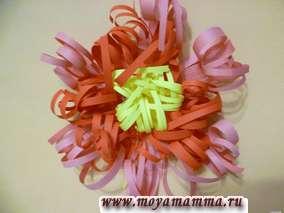 Изготовление махрового цветка. Что сделать на 8 марта своими руками