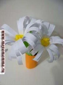 Поделки из бумаги. Изготовление букета цветов из цветной бумаги.