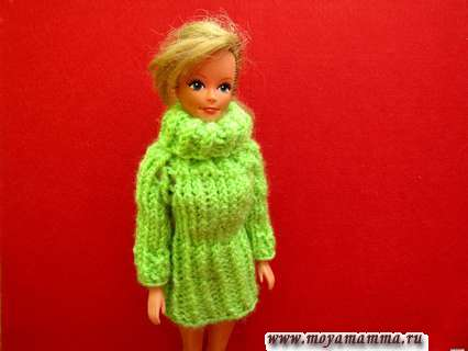 Вязаное на пяти спицах платья с рукавами реглан для куклы Барби