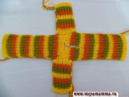 Сшивание деталей вязаного платья