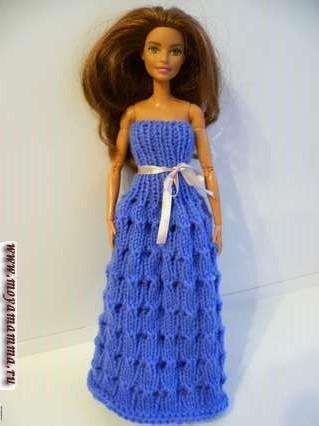 вязаное бесшовное платье на спицах для барби