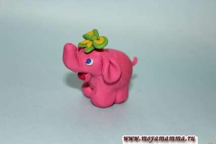 закрепить бант на голове слоненка