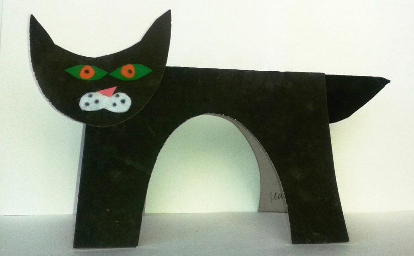 Кот из картона и фетра