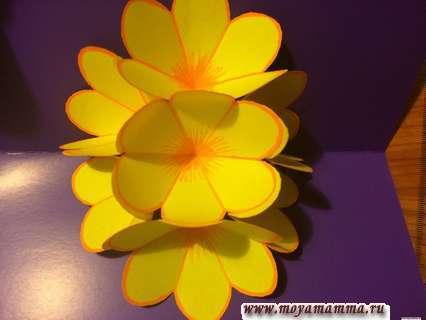 Объемная открытка в технике киригами