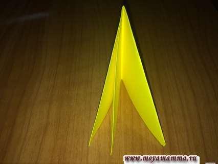 Складывание бумаги для изготовления объемной открытки