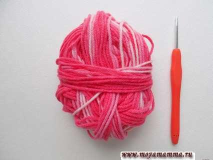Пряжа и крючок для вязания бахромы