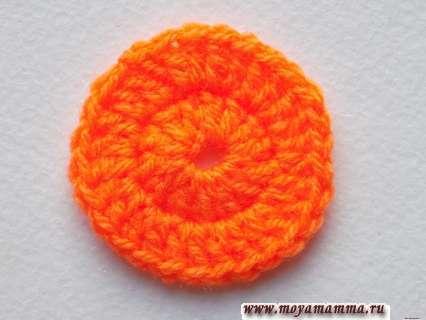заканчиваем вязание оранжевой пряжей