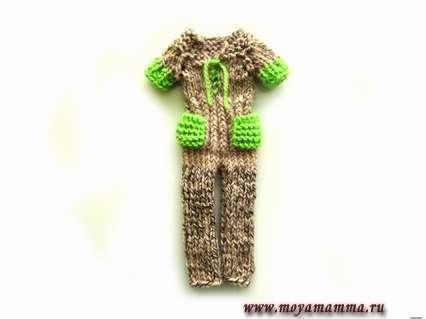 комбинезон с яркими деталями и карманами на штанинах для куклы Барби