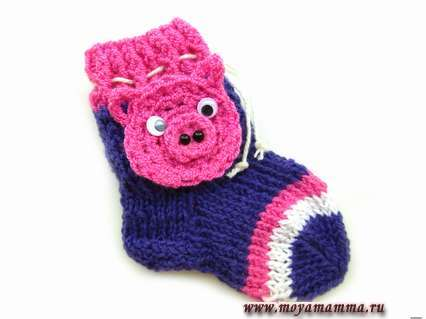 детские носки спицами символ года поросенок