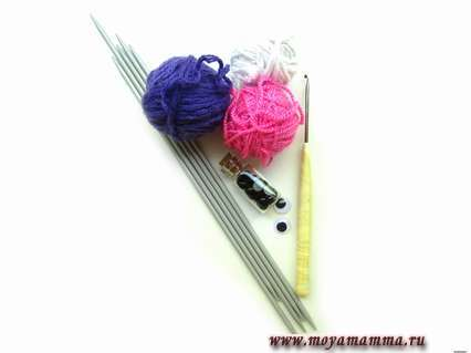 Материалы для вязания носков с поросенком