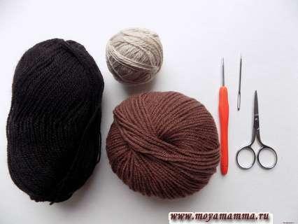 пряжа коричневого, бежевого и черного цвета