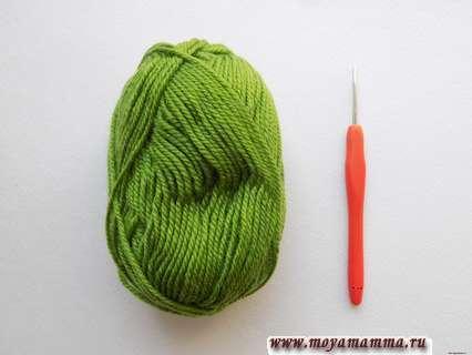 зеленая пряжа