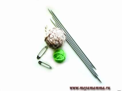 Инструменты и материалы для вязания кукольного комбинезона