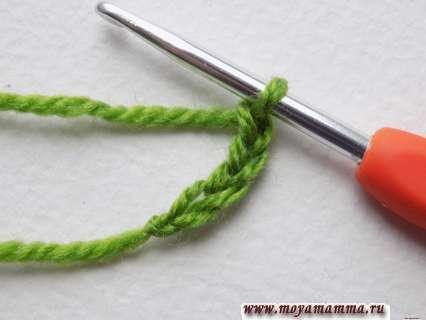 выполним цепочку из 4 петель