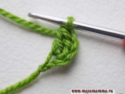 в первую петельку нужно вывязывать столб. с накидом
