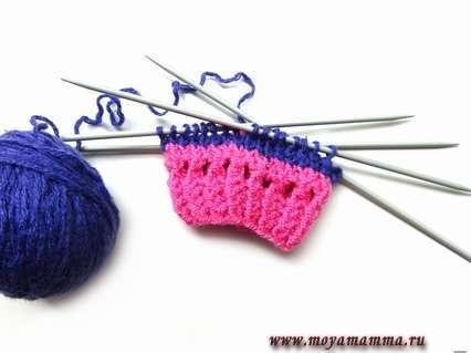 Вязание ажурного ряда носков с поросенком