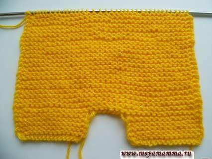 Вязание комбинезона для Басика платочной вязкой