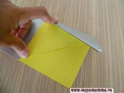 Складывание закладки из бумаги