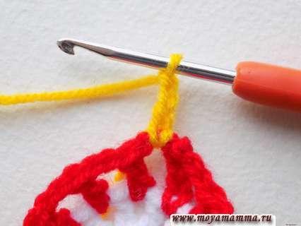 вязание желтой пряжей