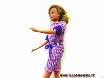 Как связать платье для куклы на пяти спицах
