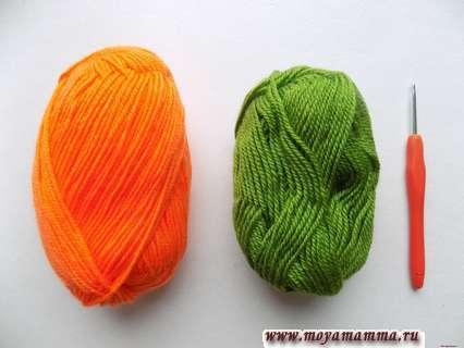 пряжа оранжевого и зеленого цвета