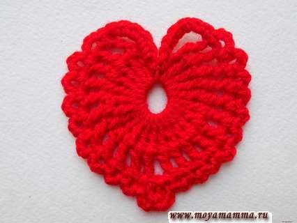Как связать крючком ажурное сердечко