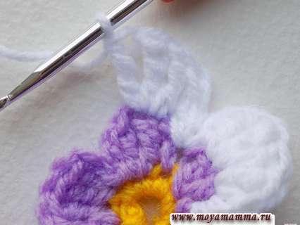 Вязание фиалки крючком