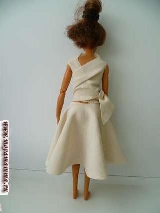 косюм без шитья для куклы барби - вид сзади