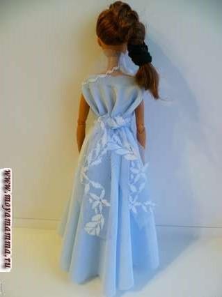 платье с кружевной пелериной - вид сзади
