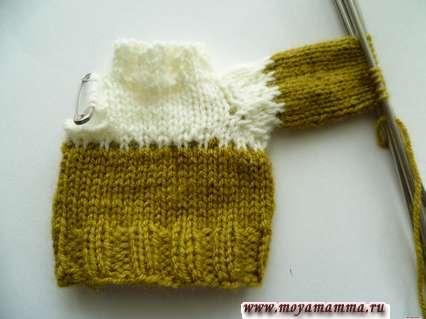 вязание рукава оливковой пряжей