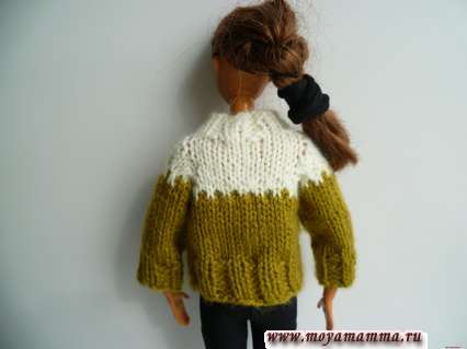 свитер для барби - вид сзади