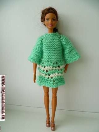 вязаное платье для барби на спицах