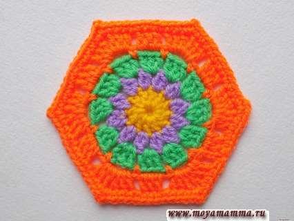 шестиугольный четырехцветный мотив
