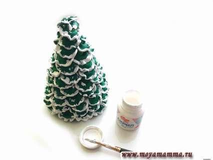 елочка из макарон - белым акрилом придать зеленой елочке эффект снега