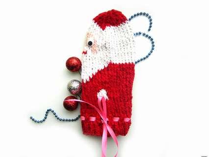 Как связать пенал в виде Деда Мороза