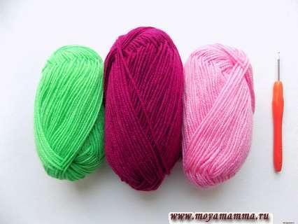 пряжа салатового, бордового и розового цвета