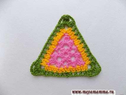 Вязание крючком треугольного разноцветного мотива