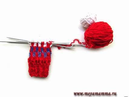 вязание десткого носка на пяти спицах