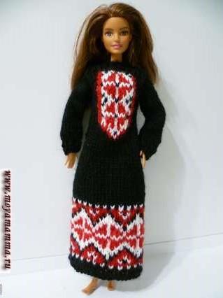 Вязаное платье для куклы с орнаментом