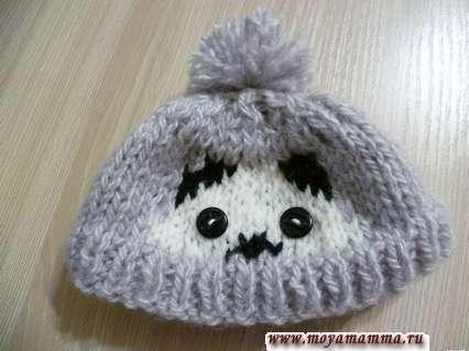 шапка с помпоном для басика