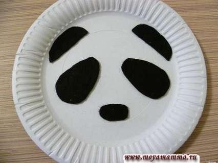 наклеивание деталей из фетра на тарелку