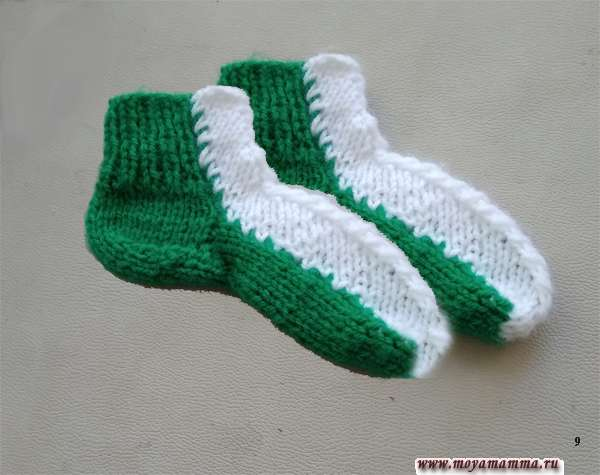 двухцветные носочки спицами