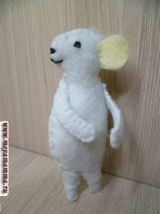 Сувенир мышка своими руками -Вышивание ротика