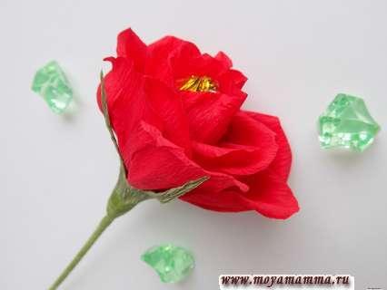 как сделать розу из бумаги с конфетой