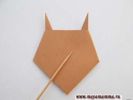 Бычок оригами. Загибание боковых уголков назад