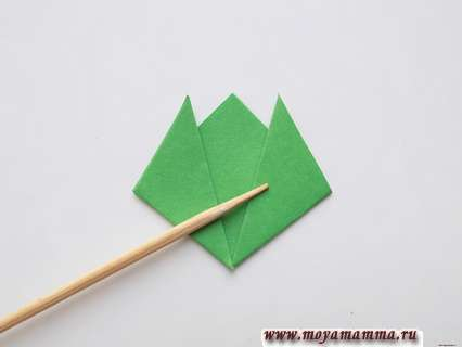 Гвоздика в технике оригами. Заготовка для чашелистиков